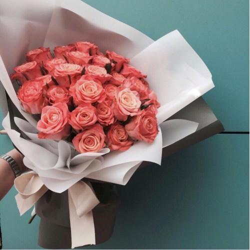 Купить на заказ Букет из 31 розовой розы с доставкой в Текели