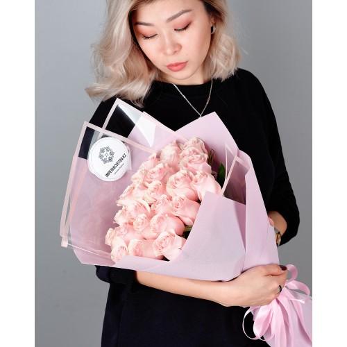 Купить на заказ Букет из 25 розовых роз с доставкой в Текели