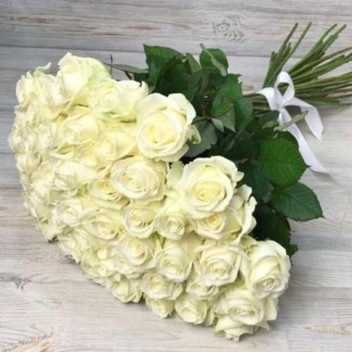Купить на заказ Букет из 51 белой розы с доставкой в Текели